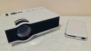 videoproiector mini